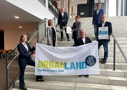 Übergabe von Förderbescheid und REGIONALE-Urkunde an der Uni Paderborn (c) OWL GmbH